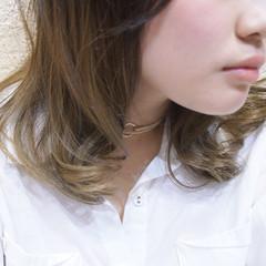 フェミニン ゆるふわ セミロング ブラウンベージュ ヘアスタイルや髪型の写真・画像