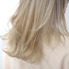 ナチュラル ブロンドカラー ハイトーン ハイトーンカラー ヘアスタイルや髪型の写真・画像