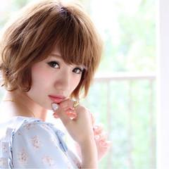 小顔 ハイトーン 似合わせ ショート ヘアスタイルや髪型の写真・画像