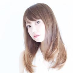 ストレート グラデーションカラー 大人かわいい 外国人風 ヘアスタイルや髪型の写真・画像