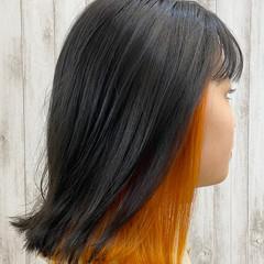 オレンジ インナーカラー 外ハネ ナチュラル ヘアスタイルや髪型の写真・画像