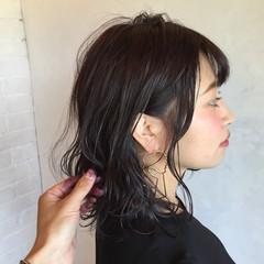 ミディアム コンサバ 切りっぱなし 暗髪 ヘアスタイルや髪型の写真・画像