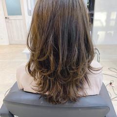 大人かわいい ロング ナチュラル レイヤーロングヘア ヘアスタイルや髪型の写真・画像
