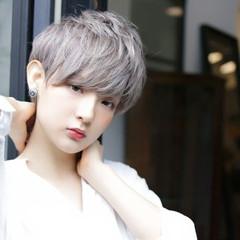 シルバーアッシュ ショート 外国人風カラー ストリート ヘアスタイルや髪型の写真・画像