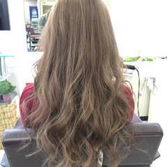 ブリーチ 大人かわいい 外国人風カラー アッシュベージュ ヘアスタイルや髪型の写真・画像