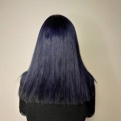 ネイビーカラー ブリーチカラー ネイビー ツヤ髪 ヘアスタイルや髪型の写真・画像
