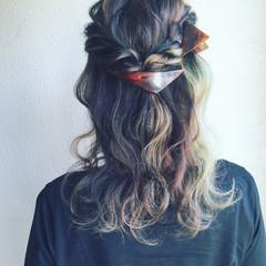 セミロング モード インナーカラー ストリート ヘアスタイルや髪型の写真・画像