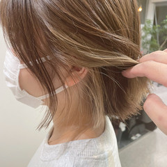 切りっぱなしボブ ボブ ガーリー インナーカラー ヘアスタイルや髪型の写真・画像