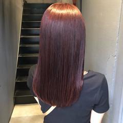 セミロング レッドカラー ガーリー チェリーレッド ヘアスタイルや髪型の写真・画像