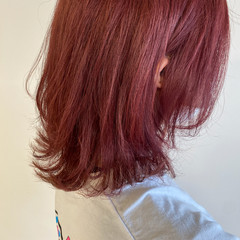 ブリーチカラー 透明感カラー ベリーピンク ブリーチ必須 ヘアスタイルや髪型の写真・画像