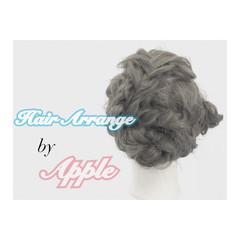 簡単ヘアアレンジ セミロング ヘアアレンジ 波ウェーブ ヘアスタイルや髪型の写真・画像