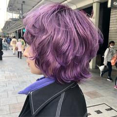 ミディアム ナチュラルウルフ バイオレットカラー ブルーバイオレット ヘアスタイルや髪型の写真・画像