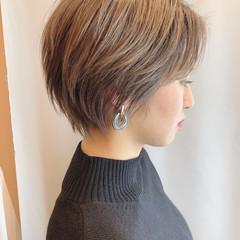 ベリーショート ショートヘア ナチュラル ハンサムショート ヘアスタイルや髪型の写真・画像
