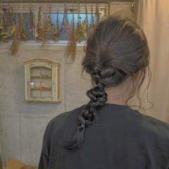 ヘアアレンジ オリーブベージュ 編みおろし 編み込み ヘアスタイルや髪型の写真・画像