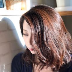 フェミニン ミディアム パーマ アンニュイ ヘアスタイルや髪型の写真・画像