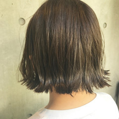 アッシュ ボブ ニュアンス ハイライト ヘアスタイルや髪型の写真・画像