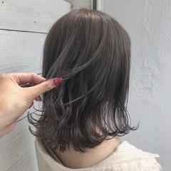 インナーカラー 切りっぱなしボブ ミディアム 透明感カラー ヘアスタイルや髪型の写真・画像
