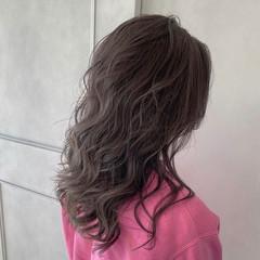 トレンド バレイヤージュ エレガント グレージュ ヘアスタイルや髪型の写真・画像