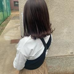 ピンクブラウン 切りっぱなし ミディアム ガーリー ヘアスタイルや髪型の写真・画像
