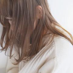 ストレート 透明感カラー 髪質改善 ミディアム ヘアスタイルや髪型の写真・画像