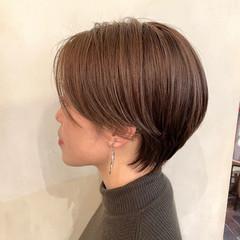 ショートボブ ショートヘア 小顔ショート ワンカールパーマ ヘアスタイルや髪型の写真・画像