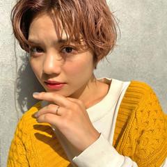 ピンクベージュ ショート ショートヘア ベージュ ヘアスタイルや髪型の写真・画像