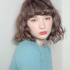 ゆるふわ ウェーブ ボブ ガーリー ヘアスタイルや髪型の写真・画像