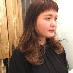 ハイライト ミルクティーベージュ セミロング ガーリー ヘアスタイルや髪型の写真・画像