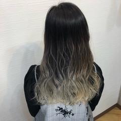 グラデーションカラー ホワイトシルバー ホワイトグラデーション ロング ヘアスタイルや髪型の写真・画像