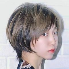 フェミニン ハイライト 斜め前髪 ショート ヘアスタイルや髪型の写真・画像
