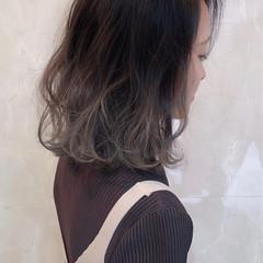 ボブ グラデーションカラー グレージュ ハイライト ヘアスタイルや髪型の写真・画像