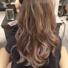 ブラウンベージュ ヘアスタイルや髪型の写真・画像