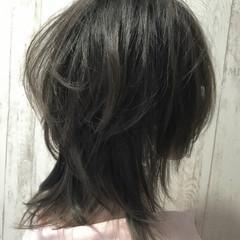 セミロング グレージュ 透明感 ストリート ヘアスタイルや髪型の写真・画像