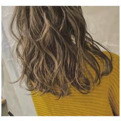 外国人風フェミニン 外国人風カラー フェミニン ゆるウェーブ ヘアスタイルや髪型の写真・画像