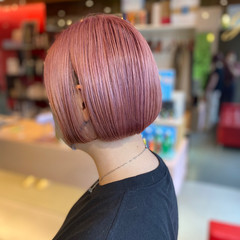 ダブルカラー ミニボブ ピンク ピンクベージュ ヘアスタイルや髪型の写真・画像