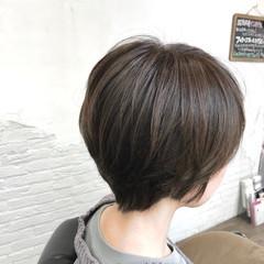 ミニボブ ブルージュ ショート ナチュラル ヘアスタイルや髪型の写真・画像
