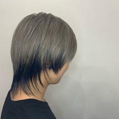 シルバー モード ウルフカット デザインカラー ヘアスタイルや髪型の写真・画像