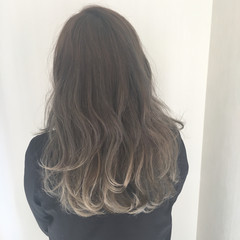 ストリート カーキアッシュ 秋 セミロング ヘアスタイルや髪型の写真・画像