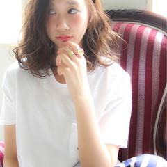 アッシュ ナチュラル 大人かわいい ゆるふわ ヘアスタイルや髪型の写真・画像