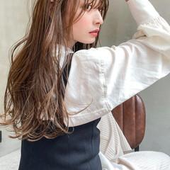 ヌーディベージュ ロング フェミニン 大人ロング ヘアスタイルや髪型の写真・画像