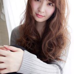 抜け感 ウェーブ 大人女子 ガーリー ヘアスタイルや髪型の写真・画像
