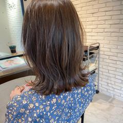 アンニュイほつれヘア ミディアム レイヤーカット ナチュラル ヘアスタイルや髪型の写真・画像