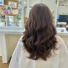 シアーベージュ コテ巻き ロング 大人かわいい ヘアスタイルや髪型の写真・画像