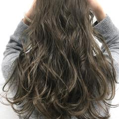グレージュ マット アッシュ ストリート ヘアスタイルや髪型の写真・画像