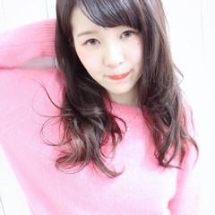 パーマ ロング ラベンダーピンク ピンク ヘアスタイルや髪型の写真・画像