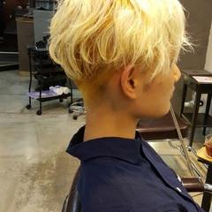 ジェンダーレス 簡単 ハイトーン モード ヘアスタイルや髪型の写真・画像