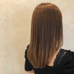 ブリーチなし 縮毛矯正 ミルクティーベージュ ベージュ ヘアスタイルや髪型の写真・画像