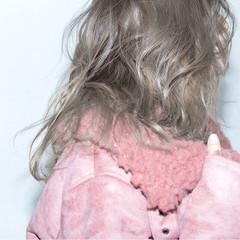 グラデーションカラー ナチュラル ヌーディベージュ 外国人風カラー ヘアスタイルや髪型の写真・画像