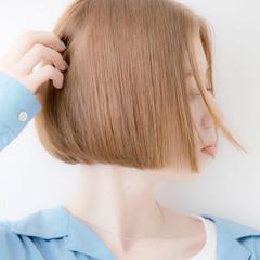 ボブヘアー ショートボブ 切りっぱなしボブ ナチュラル ヘアスタイルや髪型の写真・画像