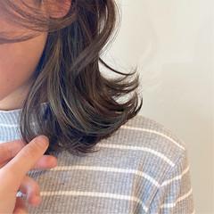 インナーカラーシルバー インナーカラー #インナーカラー ナチュラル ヘアスタイルや髪型の写真・画像
